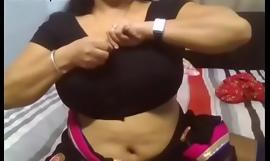 Desi aunty hugeeee boobs mom
